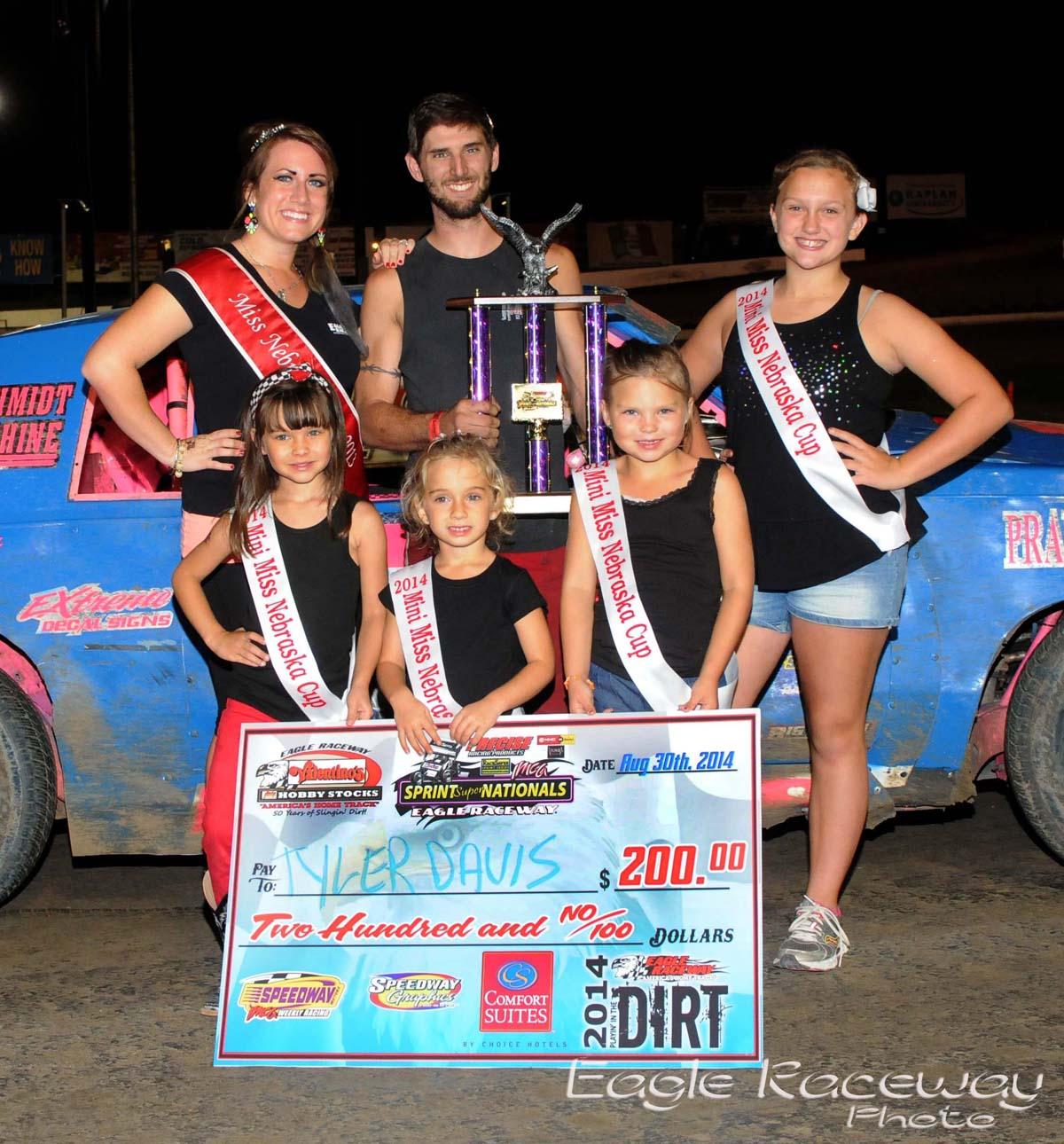 Eagle-08-30-14-464-Tyler-Davis-with-2013-Miss-Nebraska-Cup-Elle-Potocka-along-with-2014-Mini-Miss-Nebraska-Cup-finailist-JoeOrthPhoto