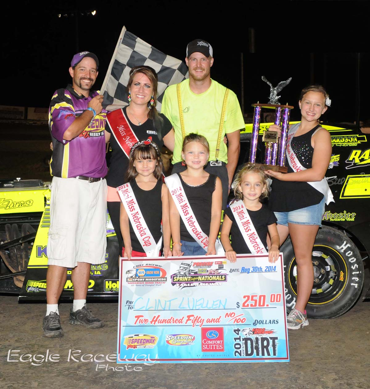 Eagle-08-30-14-442-Clint-Luellen-with-2013-Miss-Nebraska-Cup-Elle-Potocka-along-with-2014-Mini-Miss-Nebraska-Cup-finailist-and-flagman-Billy-Lloyd-JoeOrthPhoto