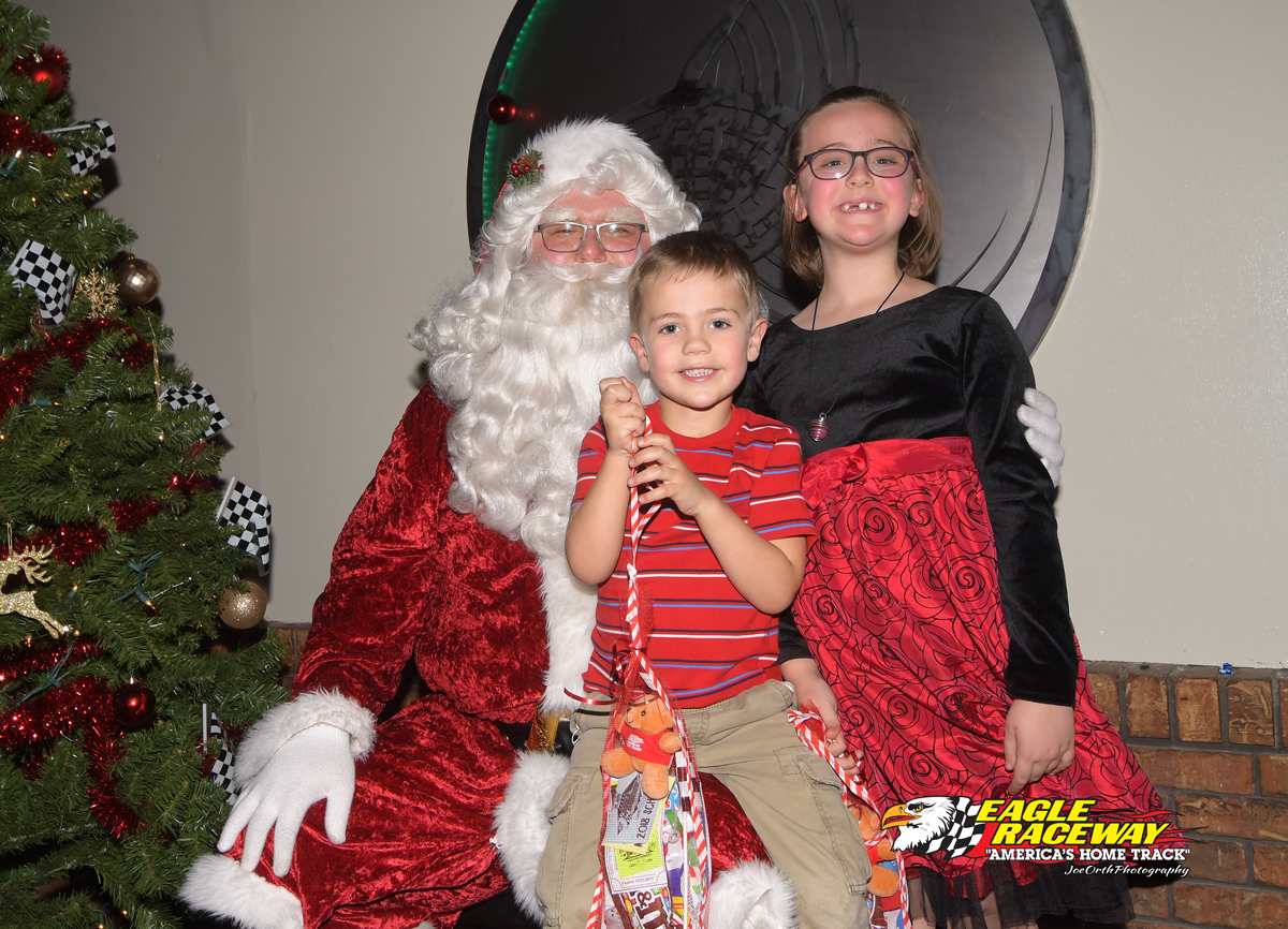 Eagle Christmas Party 12-03-17 (29)