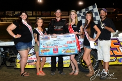 Eagle-07-11-15-493-Beji-Legg-with-2015-Miss-Nebraska-Cup-Jen-Harter-along-with-2015-Miss-Eagle-Raceway-finalist-Kayla-Meidinger-Zoe-Dalton-Robyn-Burnison-with-flagman-Billy-Lloyd-JoeOrthPhotos