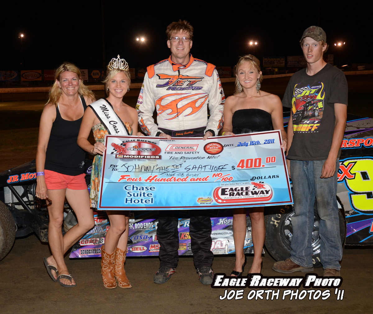 eagle-07-16-11-johnny-saathoff-and-crew-with-miss-cass-county-deanne-kathol-and-2010-miss-nebraska-cup-finalist-jessica-spanel