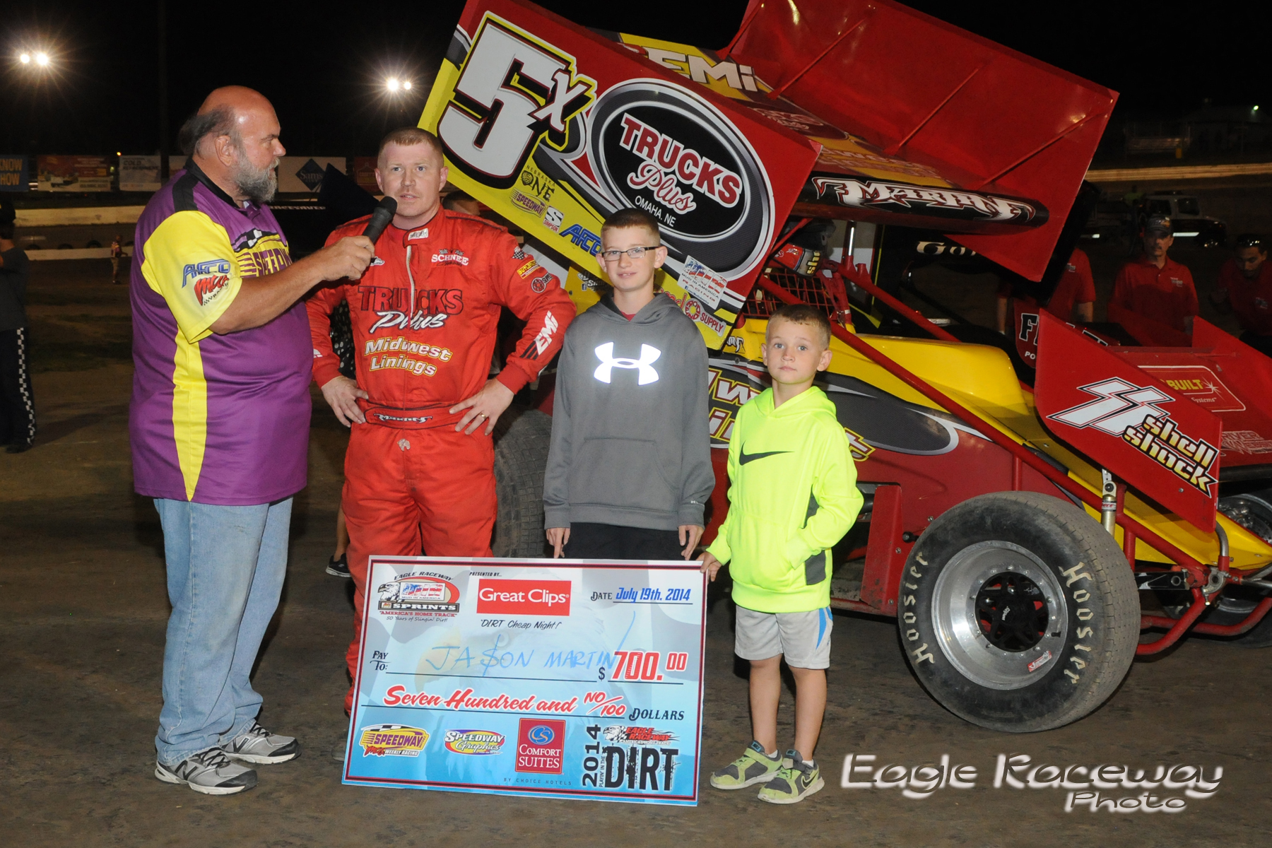 eagle-07-19-14-406-stan-cisar-jr-interviewing-jason-martin-with-family-joeorthphotos