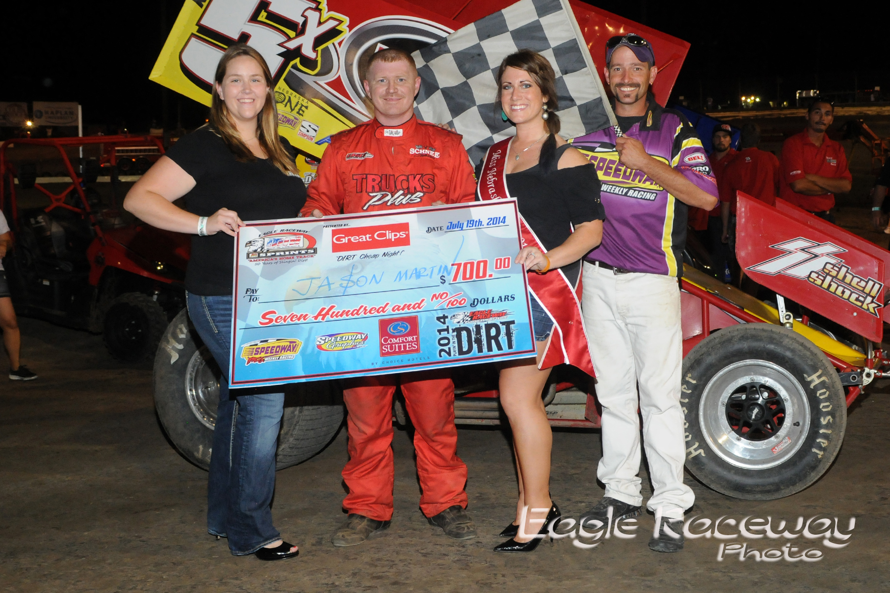 eagle-07-19-14-413-jason-martin-with-miss-nebraska-cup-elle-patocka-and-miss-nebraska-cup-finalist-donna-hafsaas-and-flagman-billy-lloyd-joeorthphotos
