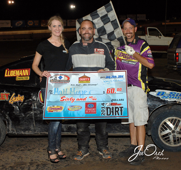 Eagle-07-26-14-457-Matt-Moyer-with-Miss-Nebraska-Cup-Finalist-Jen-Harter-and-flagman-Billy-Lloyd-JoeOrthPhotos