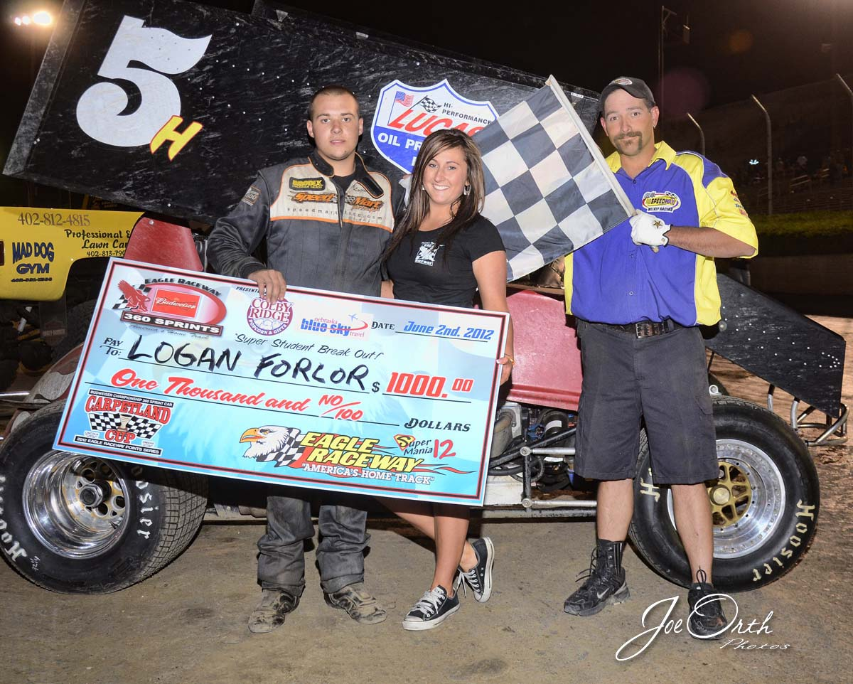 eagle-06-02-12-585-logan-forlor-with-jamie-kromberg-and-flagman-billy-lloyd