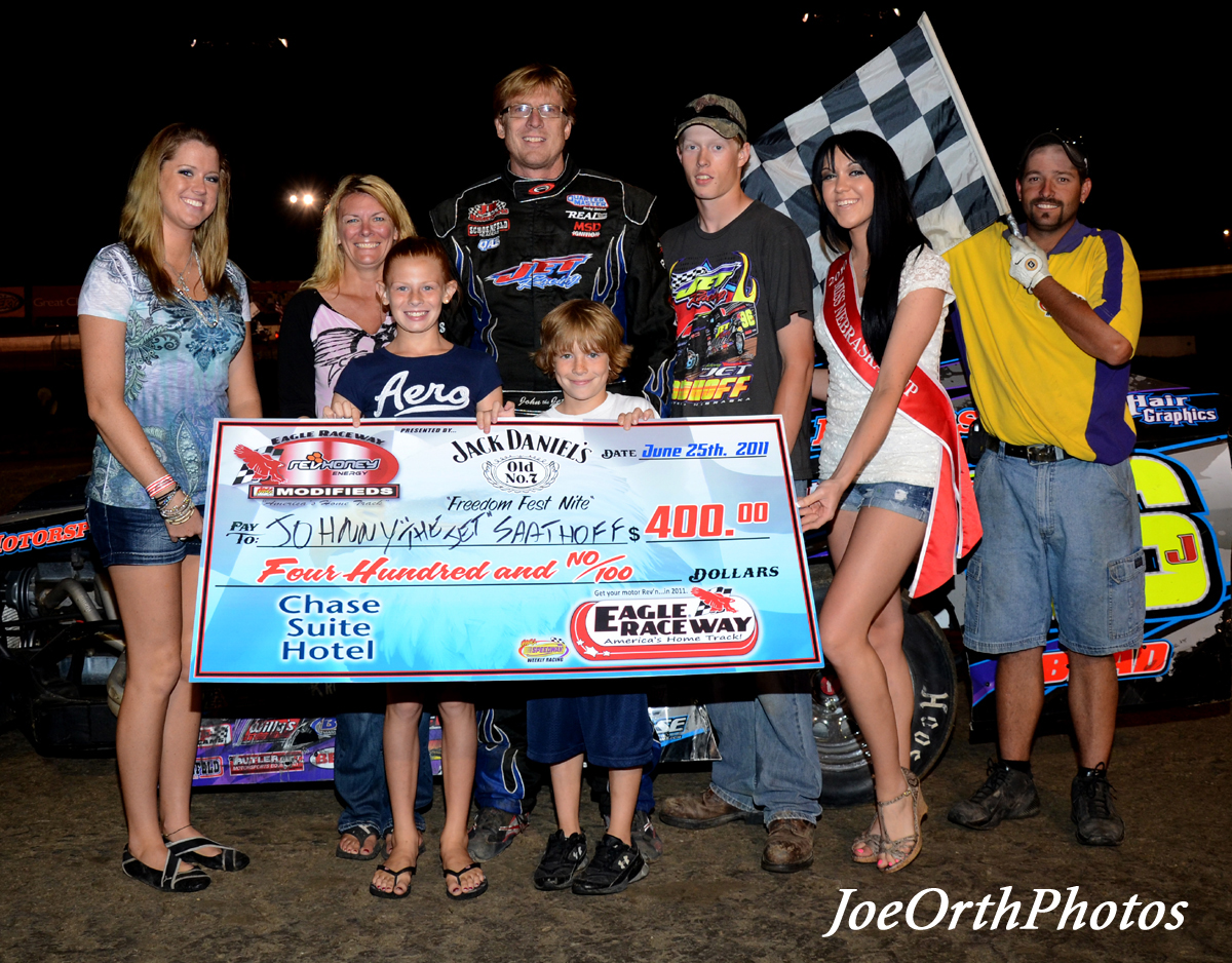 eagle-06-25-11-saathoff-and-crew-with-miss-nebraska-cup-katlin-leonard-and-nebraska-cup-finalist-rachel-cogan-and-flagman-billy-lloyd
