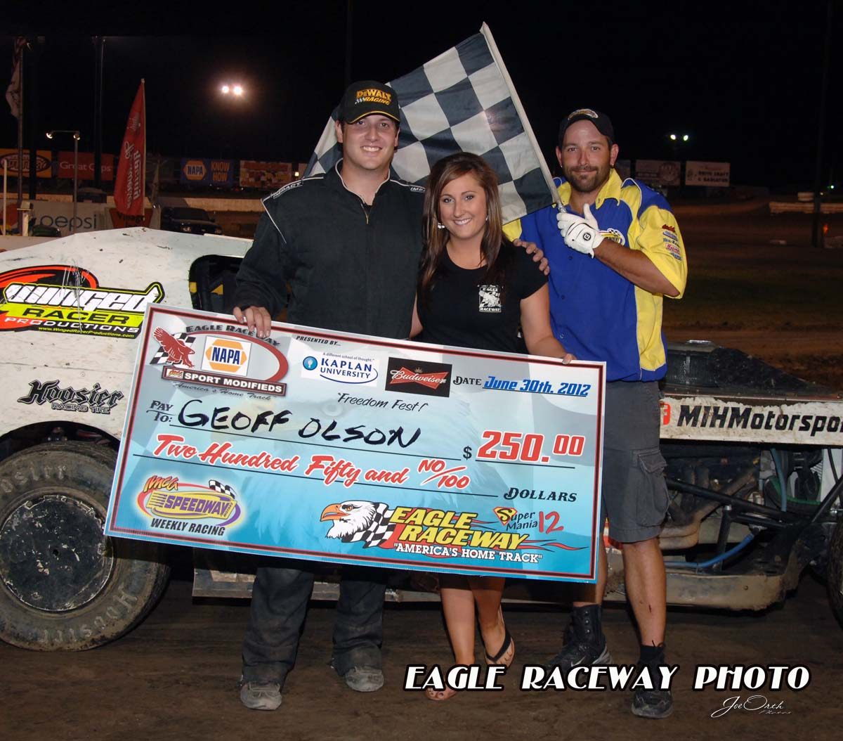 eagle-06-30-12-406-geoff-olson-with-jamie-kromberg-and-flagman-billy-lloyd