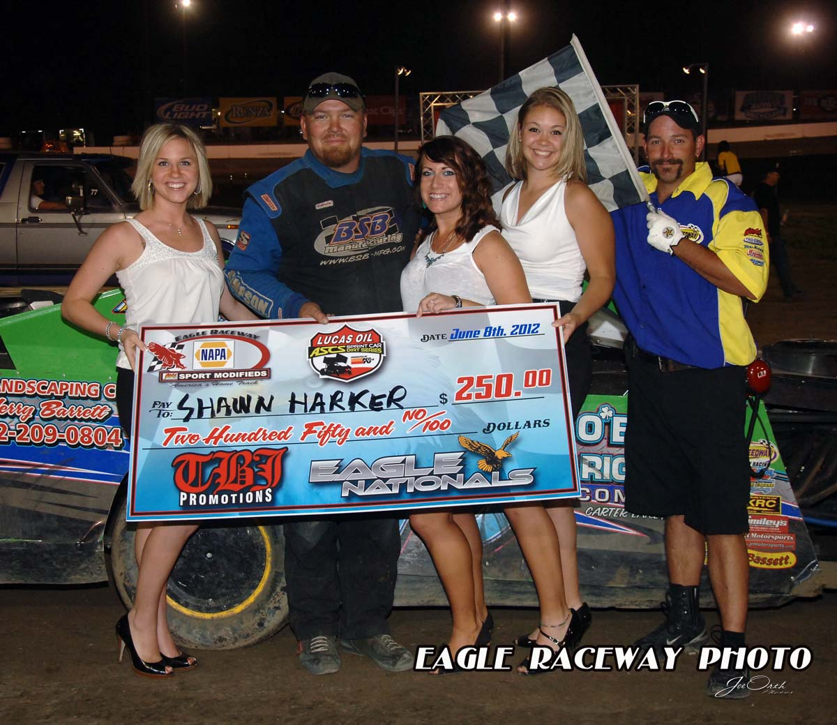 eagle-6-8-12-632-shawn-harker-with-miss-nebraska-cup-deanne-kathol-and-finalist-elle-patocka-and-lindsey-flodman-and-flagman-billy-lloyd