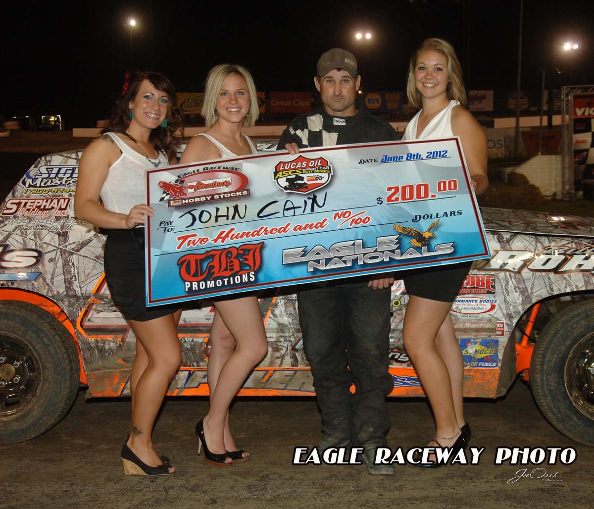 eagle-6-8-12-649-john-cain-with-miss-nebraska-cup-deanne-kathol-and-finalist-elle-patocka-and-lindsey-flodman