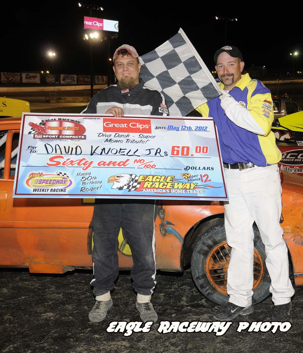 eagle-05-12-12-david-knoell-jr-with-flagman-billy-lloyd