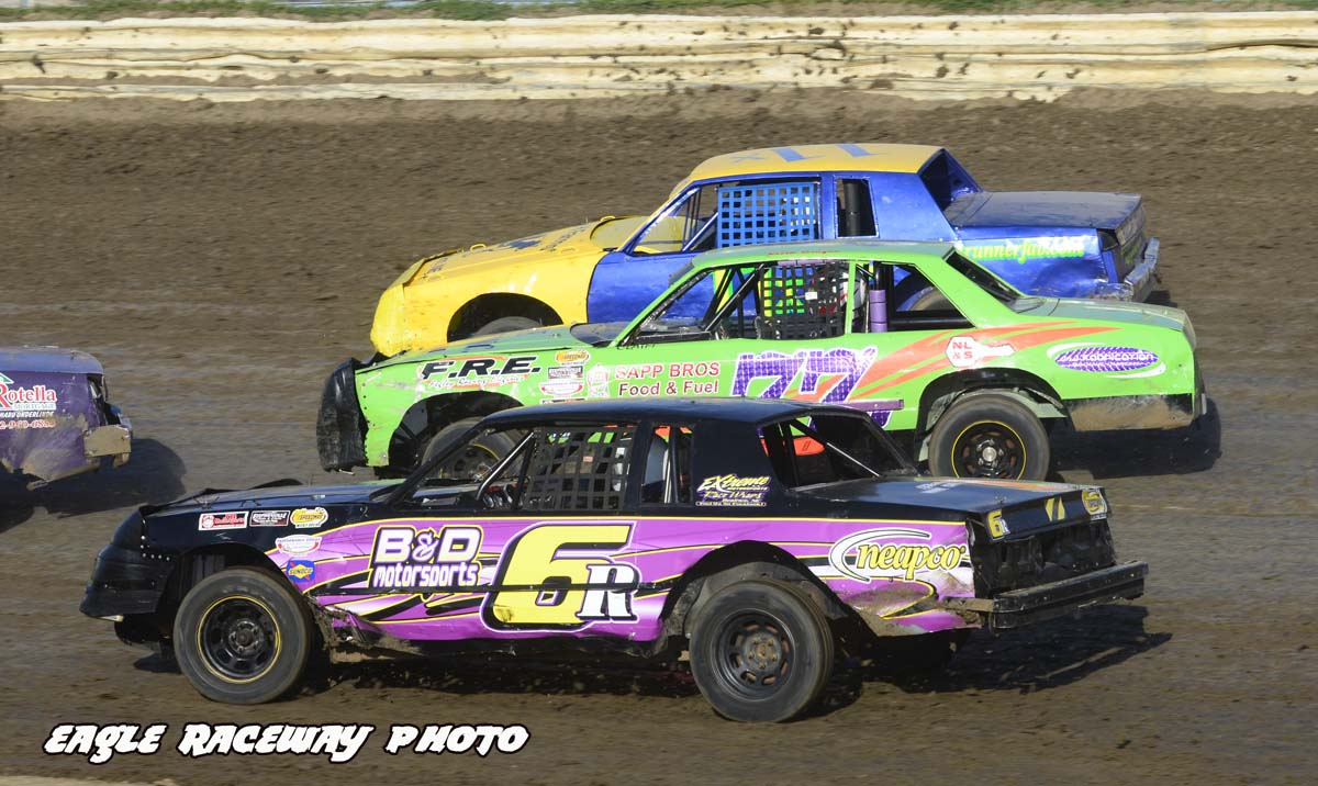 eagle-05-12-12-heat-race-action
