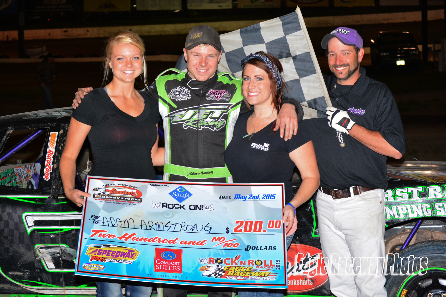 Eagle-05-02-15-3132-Adam-Armstrong-and-Country-Wulf-and-Elle-Patocka-with-flagman-Billy-Lloyd-Jason-Orth-Photo