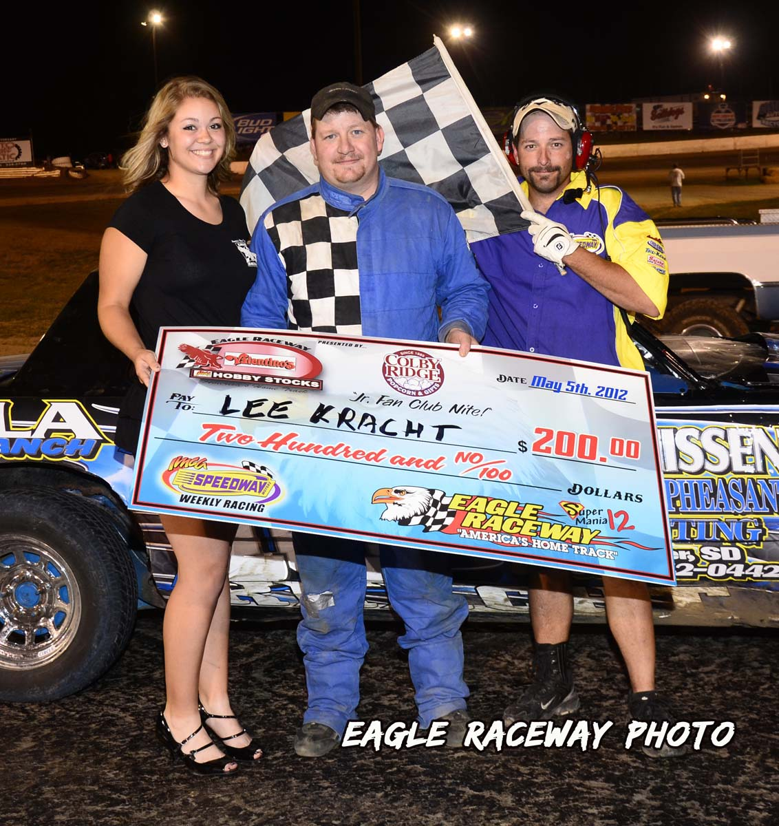 eagle-05-05-12-lee-kracht-with-lindsey-flodman-and-flagman-billy-lloyd