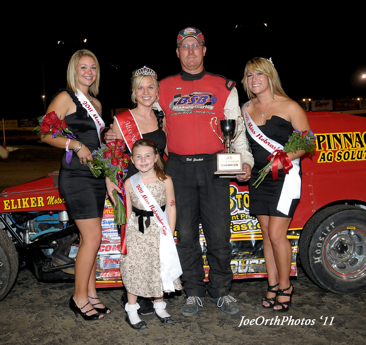 eagle-09-11-11-ne-cup-bob-zoubek-with-2011-miss-nebraska-cup-queen-deanne-kathol-and-2011-finalist-elle-patocka-and-lindsey-flodman-miss-princess