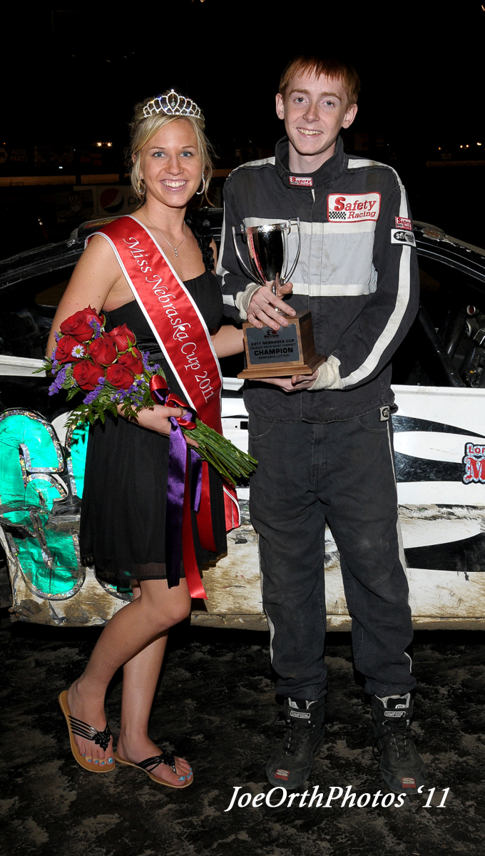 eagle-09-11-11-ne-cup-trevor-noonan-with-2011-miss-nebraska-cup-queen-deanne-kathol