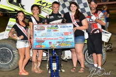 Eagle-09-05-15-IMCA-Nationals-567-Jake-Bubak-with-2015-Miss-Eagle-Raceway-finalist-Kayla-Meidinger-Zoe-Dalton-Robin-Brunison-and-flagman-Billy-Lloyd-JoeorthPhotos