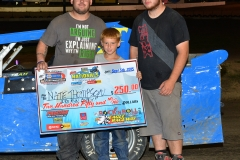 Eagle-09-05-15-IMCA-Nationals-583-Nate-Thomsen-and-crew-JoeorthPhotos