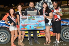 Eagle-09-05-15-IMCA-Nationals-593-Mark-MC-Kinney-with-2015-Miss-Eagle-Raceway-finalist-Kayla-Meidinger-Zoe-Dalton-Robin-Brunison-and-flagman-Billy-Lloyd-JoeorthPhotos