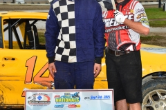 Eagle-09-07-15-IMCA-Nationals-401-Justin-Olsen-and-flagman-Billy-Lloyd
