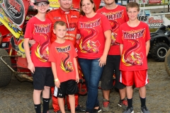 Eagle-09-07-15-IMCA-Nationals-422-Jason-Martin-and-crew-and-famliy
