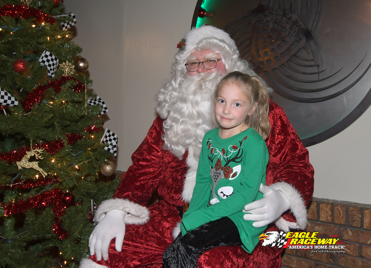 Eagle-Christmas-Party-12-03-17-3