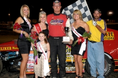 eagle-09-11-11-ne-cup-bob-zoubek-with-2011-miss-nebraska-cup-queen-deanne-kathol-and-2011-finalist-elle-patocka-and-lindsey-flodman